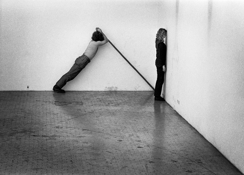 Klaus_Rinke,_(Dimonstrazioni_Primarie,_Time-Space-Body_and_Action),_Galleria_L\x27Attico_Via_Beccaria,_Roma_1972